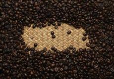 Текстура предпосылки кофейных зерен Стоковое фото RF