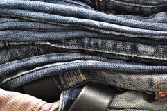 Текстура предпосылки джинсовой ткани голубых джинсов Стоковое Изображение