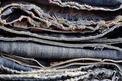 Текстура предпосылки джинсовой ткани голубых джинсов Стоковое Фото