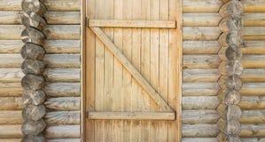 Текстура древней стены деревянных журналов с стробами, абстрактная предпосылка Стоковая Фотография