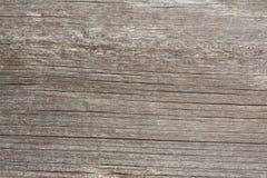 Текстура сброса поверхности старой деревянной доски с плохой обрабатывать, выразительного направления деревянных волокон стоковое изображение rf
