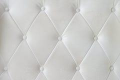 Текстура софы белой кожи Стоковая Фотография
