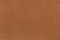 Текстура старого русого бумажного крупного плана Структура плотного картона Бронзовая предпосылка Стоковая Фотография