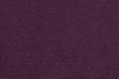 Текстура старого темного фиолетового бумажного крупного плана Структура плотного картона Фиолетовая предпосылка Стоковая Фотография RF