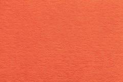 Текстура старого яркого оранжевого бумажного крупного плана Структура плотного картона Предпосылка имбиря Стоковое Изображение