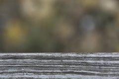 Текстура старой планки деревянной скамьи в парке Стоковые Изображения