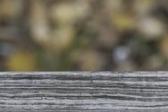 Текстура старой планки деревянной скамьи в парке Стоковые Фотографии RF