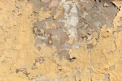 Текстура старой слезая бежевой поверхности стены стоковые изображения rf