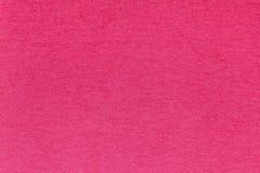 Текстура старой яркой красной бумажной предпосылки, крупного плана Структура плотного magenta картона Стоковые Фотографии RF
