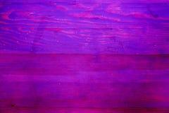 Текстура старых деревянных планок с треснутой и смазанной краской Стоковые Изображения RF