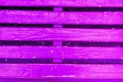 Текстура старых деревянных планок с треснутой и смазанной краской Стоковое Фото