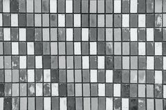 Текстура старых плиток стены с слезать яркую краску Стоковое фото RF