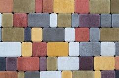Текстура стены вымощая камней других цветов для конструкции Смотреть на строительный материал стоковые фотографии rf