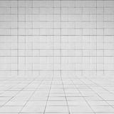 Текстура стены плитки перспективы комнаты белая Стоковая Фотография RF