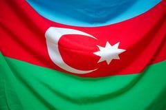 Текстура ткани флага Азербайджана Красный зеленый голубой флаг Национальный флаг Азербайджана с серповидной луной Традиция Азерба Стоковые Изображения RF