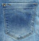 текстура тканья джинсыов карманная Затрапезная голубая джинсовая ткань Стоковое фото RF