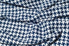 Текстура, ткань, предпосылка Диамант сини картины вязания крючком ткани Стоковые Фото