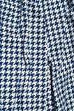 Текстура, ткань, предпосылка Диамант сини картины вязания крючком ткани Стоковое фото RF