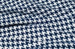 Текстура, ткань, предпосылка Диамант сини картины вязания крючком ткани Стоковое Изображение RF
