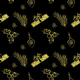 Текстура яркого блеска безшовного рождества вектора золотая Кройте фон черепицей с сосной, подарочной коробкой, украшением рождес Стоковая Фотография RF