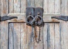 Текстурированная античная запертая дверь Стоковое фото RF