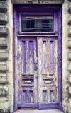 Текстурированная деревянная дверь Стоковые Изображения