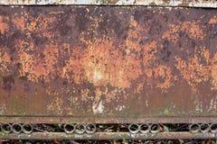 Текстурированная загородка металла ржавая стоковая фотография rf