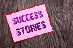 Текст объявления почерка показывая истории успеха Writte роста образования достижения воодушевленности схематического фото успешн стоковое изображение