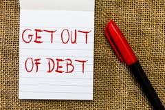Текст почерка выходит задолженности Концепция не знача никакую перспективу быть оплаченным больше и освобождает от задолженности стоковые фотографии rf
