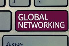 Текст почерка писать глобальную сеть Коммуникационная сеть смысла концепции которая spans вся земля БОЛЕЗНЕННАЯ стоковая фотография rf