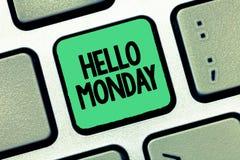 Текст почерка писать здравствуйте понедельник Сообщение смысла концепции приветствуя положительное для нового начала недели дня стоковые изображения rf