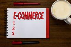 Текст почерка писать коммерцию e Концепция знача торговые операции проведенные электронно в Интернете стоковое изображение