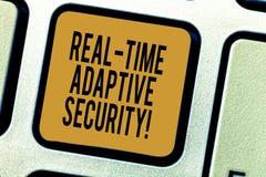 Текст почерка писать приспособительную безопасность в реальном времени Смысл концепции приспосабливает появление множественных пе стоковая фотография rf