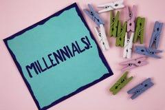 Текст почерка писать Millennials мотивационный звонок Поколение y смысла концепции принесенное от 1980s к 2000s написанному на ли Стоковая Фотография RF