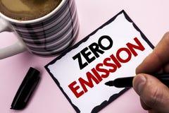 Текст почерка писать zero излучение Источник энергии мотора двигателя смысла концепции который не испускает никакие отходы написа стоковые изображения