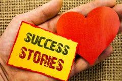 Текст почерка показывая истории успеха Концепция дела для успешного роста образования достижения воодушевленности написанного на  стоковое изображение rf