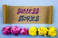 Текст почерка показывая истории успеха Концепция знача успешный рост образования достижения воодушевленности написанный на разрыв стоковые фото