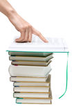 текст пунктов руки книги openning к Стоковое фото RF