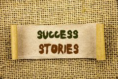 Текст сочинительства показывая истории успеха Фото дела showcasing успешный рост образования достижения воодушевленности написанн стоковая фотография rf