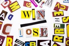 Текст сочинительства слова показывая концепцию выигрыша Lose сделанную различного письма газеты кассеты в случай дела на белом ba Стоковое Изображение RF