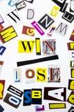 Текст сочинительства слова показывая концепцию выигрыша Lose сделанную различного письма газеты кассеты в случай дела на белом ba Стоковая Фотография
