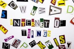 Текст сочинительства слова показывая концепцию интернета вещей сделанных различного письма газеты кассеты в случай дела на whi Стоковые Фотографии RF