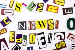 Текст сочинительства слова показывая концепцию новостей сделанную различного письма газеты кассеты в случай дела на белой предпос Стоковые Изображения