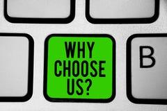Текст сочинительства слова почему выберите нас вопрос Концепция дела для причин для выбирать наш бренд над другими зеленый цвет к стоковые изображения