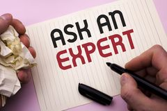 Текст сочинительства слова спрашивает специалисту Концепция дела для Consult профессиональный просить совет делает вопрос написан стоковое изображение rf