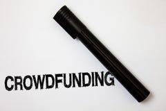 Текст Crowdfunding сочинительства слова Концепция дела для финансировать проект путем поднимать деньги от большого количества соо иллюстрация штока