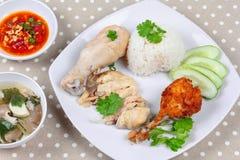 Текут маслообразный рис и, который текут цыпленок цыпленка и crisy Стоковое Изображение RF