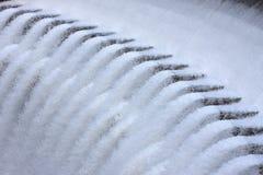 текущая вода запруды Стоковые Фотографии RF
