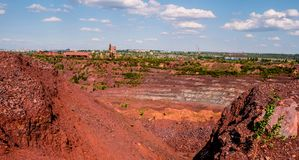 Тележки на открыт-бросании минируют в Kryvyi Rih, Украине Стоковое фото RF