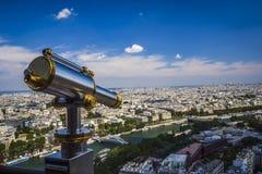 Телескоп над городом стоковые фото